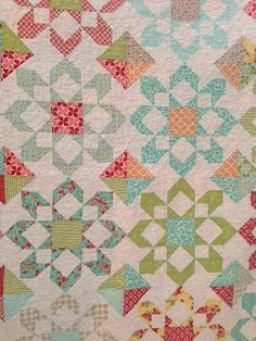 Fireworks. A great fat quarter quilt designed by Camille Roskelly.