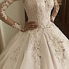 Magbridal Fantastic Tulle Jewel Neckline Ball Gown Wedding Dresses With Beaded Lace Appliques - Schöne Brautkleider - Hochzeitskleid Celebrity Wedding Dresses, Princess Wedding Dresses, Dream Wedding Dresses, Bridal Dresses, Wedding Gowns, Beaded Dresses, Tulle Wedding, Lace Weddings, Mermaid Wedding