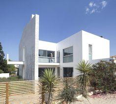 Modern Minimalist Even Yehuda House, Israel
