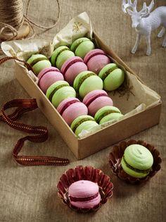 Unser beliebtes Rezept für Himbeer- und Pistazien-Macarons und mehr als 55.000 weitere kostenlose Rezepte auf LECKER.de.