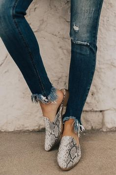 c5aa42b7922b 25 Best Snake print boots images in 2019