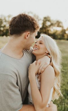 Everybody wants to as happy as they possibly can be with their partner. Check out these 18 things couples can do to build and sustain a happier and healthiest relationship. Best Couple Pictures, Cute Couple Images, Image Couple, Couple Picture Poses, Couples Images, Photo Couple, Couple Shoot, Couple Pics, Cute Couple Poses
