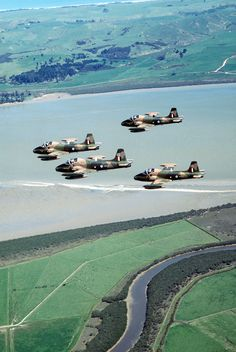 Four BAC Strikemaster aircraft of the Royal New Zealand Air Force in formation during the joint Australian, New Zealand and US (ANZUS) Exercise TRIAD 24 September 1984 Military Jets, Military Aircraft, 24 September, Aircraft Photos, Nose Art, Royal Navy, Military History, Vintage Pictures, Techno