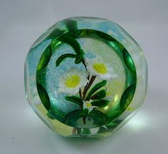 Antique Glass Paperweight Pricing   Caithness Paperweight Mountain Beauty