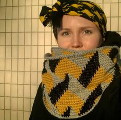 Molla Mills inspired cowl in-the-round