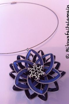 Fait main: Pendentif fleur fait en capsule par Bijouxfaitalamain13
