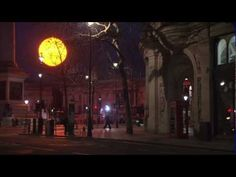 Okay...This is awesome. Tropicana Lights Up Trafalgar Square With Giant Pre-Dawn Sun