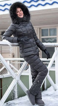 Down Suit, Winter Suit, Winter Outfits, Ski Outfits, Winter Fashion, Women's Fashion, Skiing, Winter Jackets, Ugg Boots