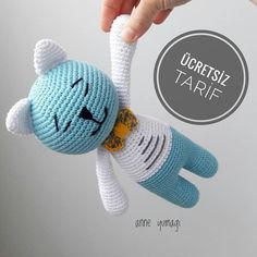 Good evening 🤗 Here is the recipe of my suckling cat ✌ Preparations for the holiday … - Stofftiere Stuffed Animal Patterns, Dinosaur Stuffed Animal, Amigurumi Patterns, Crochet Patterns, Amigurumi Toys, Craft Free, Cat Colors, Cat Crafts, Diy Toys