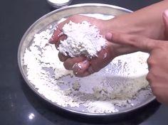 स्पंज रसगुल्ले कैसे बनाते है? How to make Bengali Rasgulla Recipe in Hindi? Step by step photo Rasgulla Recipe, Best Bluetooth Headphones, Best Smartphone, Food And Drink, Condensed Milk, How To Make, Recipes, Juice, India