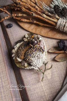 """Купить Брошь ручной работы """"Медовая роса"""" - коричневый, горчичный, Медовый, золотистый, брошь с камнями"""