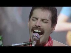 Queen We Are The Champions (Live Rock Montreal HD)