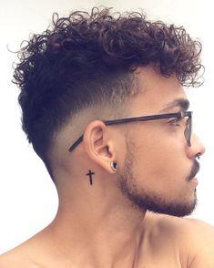 Men Haircut Curly Hair, Boys Curly Haircuts, Undercut Curly Hair, Messy Wavy Hair, Thick Curly Hair, Curly Hair Cuts, Cut My Hair, Cool Haircuts, Haircuts For Men