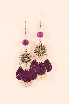 Boucles d'oreilles légères en aluminium et métal argenté - Pétales Violettes et Rayées : Boucles d'oreille par cap-and-pap