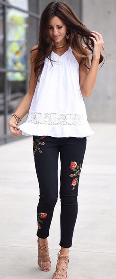 cool+outfit+idea+:+white+top+++black+embroidered+skinnies+++sandals