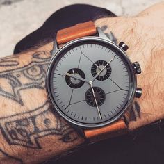 Simple. Balanced. Clean. The Engineer Gunmetal by @cronometrics.