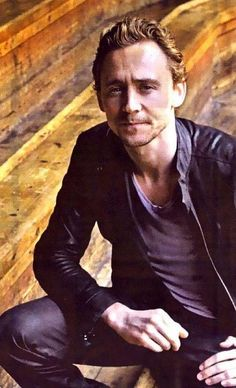 My answer to the Tom question...As much as I love him all dolled up and man I do. I think I rather him in jeans, t-shirt and a jacket. The man who isn't too cool to be a goof, the everyday Tom. The other things well they come with the package!