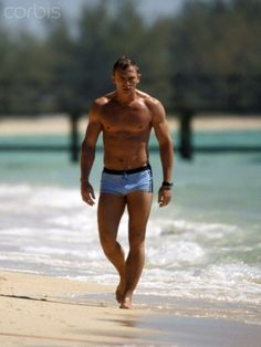 EXCLUSIVE: Daniel Craig, in those famous blue swimming trunks, shooting Casino Royale in the Bahamas