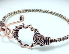 Wire wrapped jewelry, Copper wire jewelry, Antiqued copper rosette links with toggle clasp, Handcrafted jewelry Copper Wire Jewelry, Copper Bracelet, Diy Jewelry, Fashion Jewelry, Jewelry Making, Making Bracelets, Jewelry Tools, Jewellery Box, Wire Wrapped Bracelet