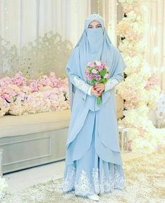 "854 Suka, 6 Komentar - Ide pernikahan muslim (@inspirasipengantinmuslim) di Instagram: ""Inspired by @nisya_jannah_colection 😍😍😍 . . . . Tag sahabat tersayangmu yah..semoga bermanfaat.. .…"" Muslim Wedding Gown, Muslimah Wedding Dress, Muslim Wedding Dresses, Muslim Brides, Wedding Hijab, Muslim Dress, Bridal Wedding Dresses, Bridesmaid Dresses, Wedding Dressses"