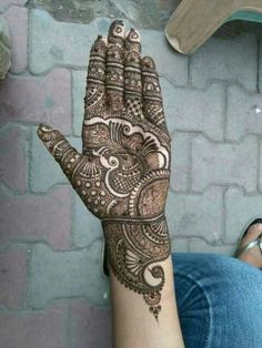 this is Most Amazing And Attractive Mehndi Designs For Hands Full Mehndi Designs, Latest Bridal Mehndi Designs, Indian Henna Designs, Henna Art Designs, Mehndi Designs For Girls, Mehndi Designs For Beginners, Stylish Mehndi Designs, Mehndi Design Photos, Wedding Mehndi Designs