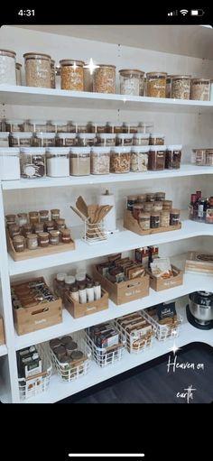 Kitchen Pantry Design, Kitchen Organization Pantry, Home Organization Hacks, Home Decor Kitchen, Kitchen Interior, Home Kitchens, Organizing, Pantry Storage, Dream Home Design