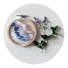 Broderie abstraite - Abstract embroidery  #ptak #ptakptak #ptakblog #ptakdesign #broderie #embroidery #sticken #bordado #handembroidery #art #design #embroideryinstaguild #makersmovement #creativityfound #contemporaryembroidery #modernembroidery #dmcthreads #dmcembroidery #handmade #etsyshop #shopsmall #designmilk #madecoamoi #diyblogu #ouiaremakers #lamaisonfrance5 #ducotedechezvous #woman #girlpower #cettesemainesurinstagram