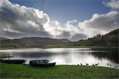 Strangely enough, this is my vacation hot spot: The Lake District in England. So gorgeous. Pin 7 #bareMinerals #READYtowin