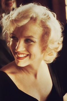 """Marilyn Monroe Announcing The Production Of """"SOME LIKE IT HOT."""""""
