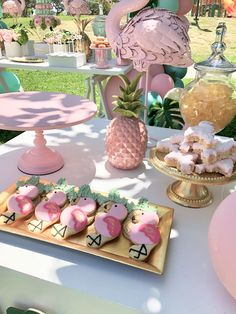 Loving the cookies at this Flamingo birthday party! See more party ideas and share yours at . Pink Flamingo Party, Flamingo Baby Shower, Flamingo Birthday, Pink Flamingos, Flamingo Photo, Flamingo Float, Summer Party Decorations, Birthday Decorations, Summer Party Themes