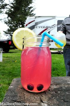Blueberry Lemonade w/ Vodka {Tutorial}