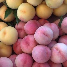 Peach Aesthetic, Spring Aesthetic, Aesthetic Food, Comida Picnic, Good Food, Yummy Food, Healthy Food, Tasty, Think Food