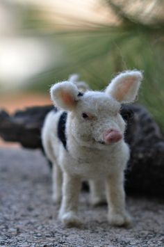 Needle Felted   Animals-  OOAK Collectible artist wool soft sculpture -needle felt by Daria Lvovsky.via Etsy.