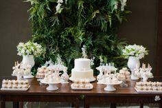 ♥♥♥  Confeitaria da Lilo  Há três anos no mercado, a Cake Designer Simone Lucas se dedica em participar dos momentos mais felizes de seus clientes. O que começou como um ho... http://www.casareumbarato.com.br/guia/confeitaria-da-lilo/