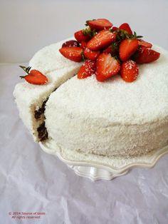 Chocolate Cake with Masckarpone & Strawberries