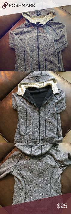Lululemon floral & manifesto script scuba hoodie 6 Size 6, Lululemon scuba hoodie with limited edition prints both inside the hood (manifesto script) and the jacket (black and white floral) lululemon athletica Jackets & Coats