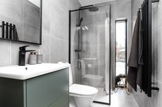 Ljungvägen 2B - Villa till salu - Hemnet Sink, Villa, Bathtub, Vanity, Bathroom, Home Decor, Sink Tops, Standing Bath, Dressing Tables
