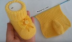 Learn to crochet easy lovely baby booties. Wonderful gift for your little kids. Make their wardrobe more creative with this cutest baby booties. Knitted Baby Boots, Knitted Booties, Crochet Baby Booties, Knitted Hats, Baby Knitting Patterns, Knitting For Kids, Baby Patterns, Knitting Tutorials, Baby Boy Booties