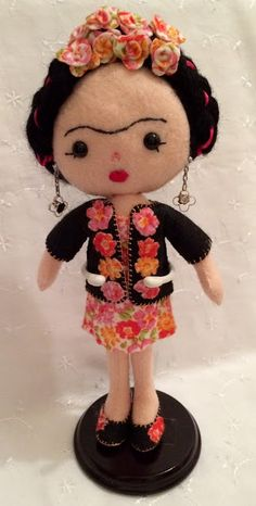 FRIDA KAHLO POCKET POPPETS