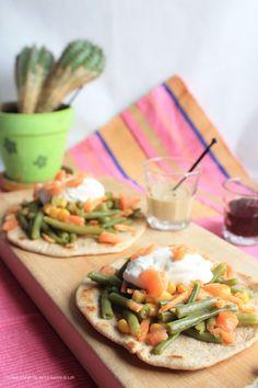 Tacos con verdure, ricotta, salmone e mini tortilla di lievito madre