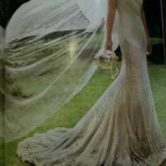 Kate Moss-wedding dress- Vogue Sept. 2011