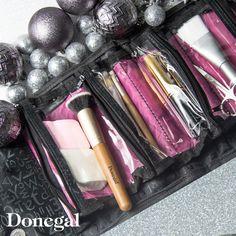 Podróżny zestaw akcesorii kosmetycznych w świątecznej odsłonie #brush #makeup #make-up #xmas #christmas #gift #makijaż #pędzle