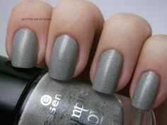 GLITTER ON MY NAILS: ESSENCE'S THE DAWN IS BROKEN @essencecosmetic