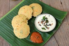Instant Oats Idli is a healthy Indian breakfast recipe with oats, rava, carrot, yogurt and spices. Nutritious and tasty recipe using oats. Lunch Box Recipes, Oats Recipes, Breakfast Recipes, Cooking Recipes, Healthy Indian Recipes, Vegetarian Recipes, Oats Idli, Idli Recipe, Tasty Recipe