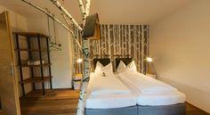 Booking.com: B&B - Das Franzl - St. Wolfgang, Österreich Interior Design, Amazing, Room, Furniture, Home Decor, Nest Design, Bedroom, Home Interior Design