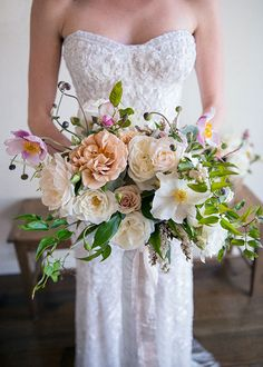 Wynn and Scott San Ysidro Ranch Wedding, Bouquet. © the GOLD COLLECTIVE Twine Events: Planning & Design