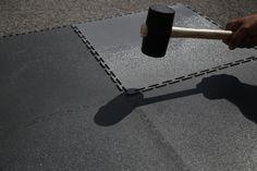 Sollten Sie Risse im Boden haben, können Sie die PVC Bodenfliese Traficline einfach darüber legen. Der Belag hat keine Verbindung mit dem Untergrund und kann somit nicht mit reißen. Tile, Boden, Simple