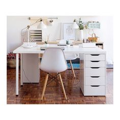 ...we love an all white office | #ModernMonday