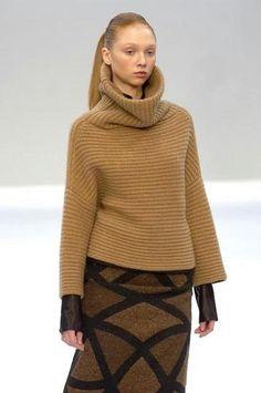 Свободный свитер с широким горлом и спущенными рукавами. Обсуждение на LiveInternet - Российский Сервис Онлайн-Дневников