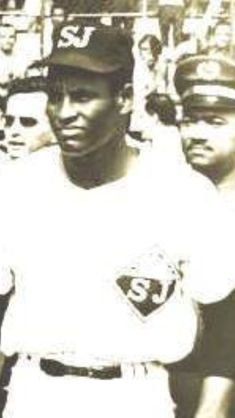 Puerto Rico, Roberto Clemente, Baseball Pictures, Powerful Images, Pittsburgh Pirates, Baseball Players, Mlb, Che Guevara, Pride